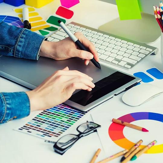 Servicios de diseño gráfico profesional en Apunts